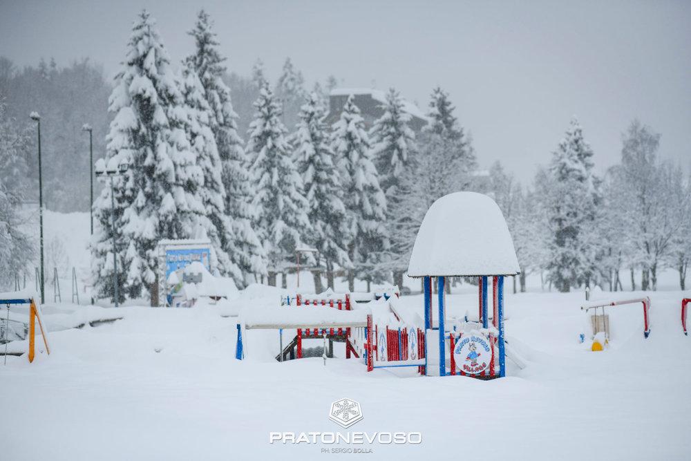 null - © Prato Nevoso Ski Facebook
