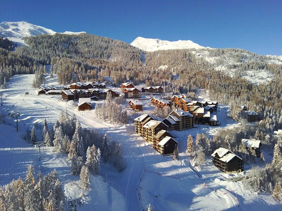 Plus de doutes possibles, l'hiver s'est bel et bien installé à Puy Saint Vincent et la saison de ski peut débuter... - © Facebook Domaine skiable de Puy Saint Vincent