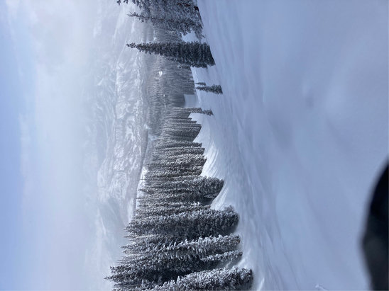 Aspen Snowmass - Powder & Steeps at Snowmass today - © Be Free