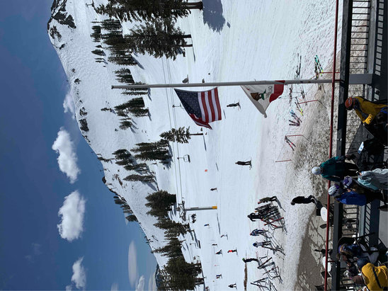 Squaw Valley Alpine Meadows - it's spring time folks. conditions aren't bad. a bit icy in the morning; soft and slushy in the afternoon.  - © board freek