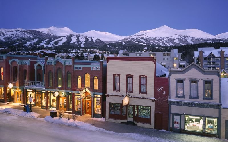 A view of the town of Breckenridge, Colorado at night - © Breckenridge