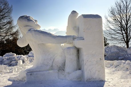 Schneefigur in Seefeld - © Olympiaregion Seefeld