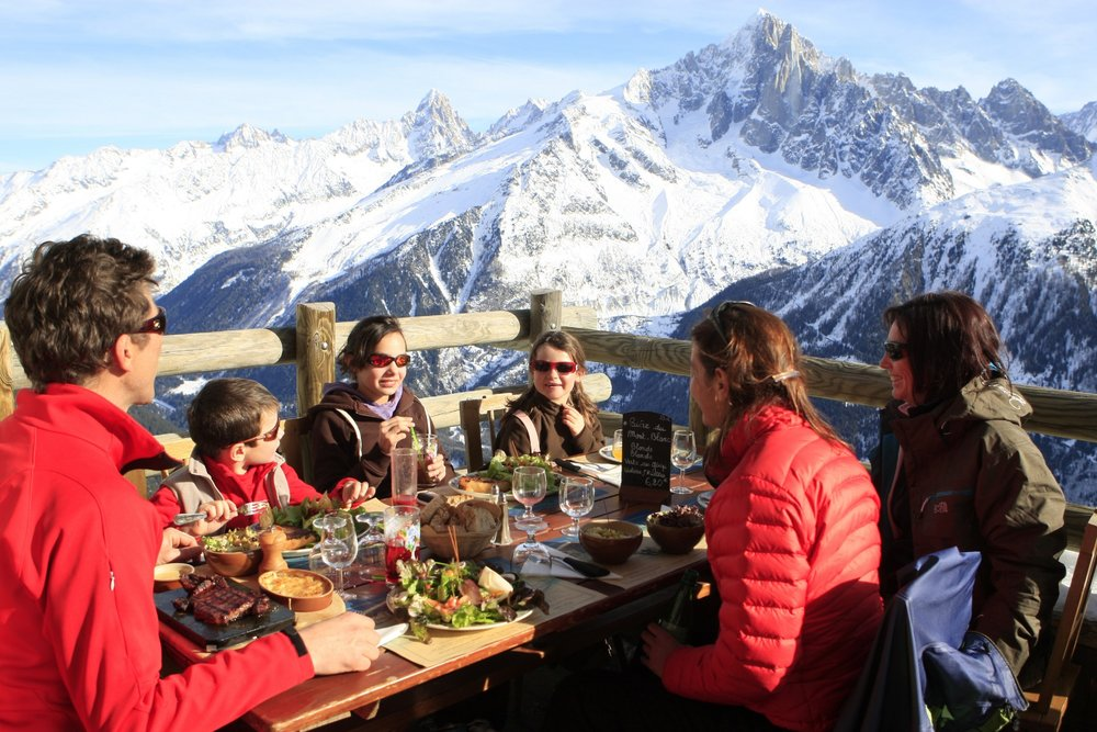 Lunch on the mountain in Brevent, Chamonix - © Chamonix Tourism