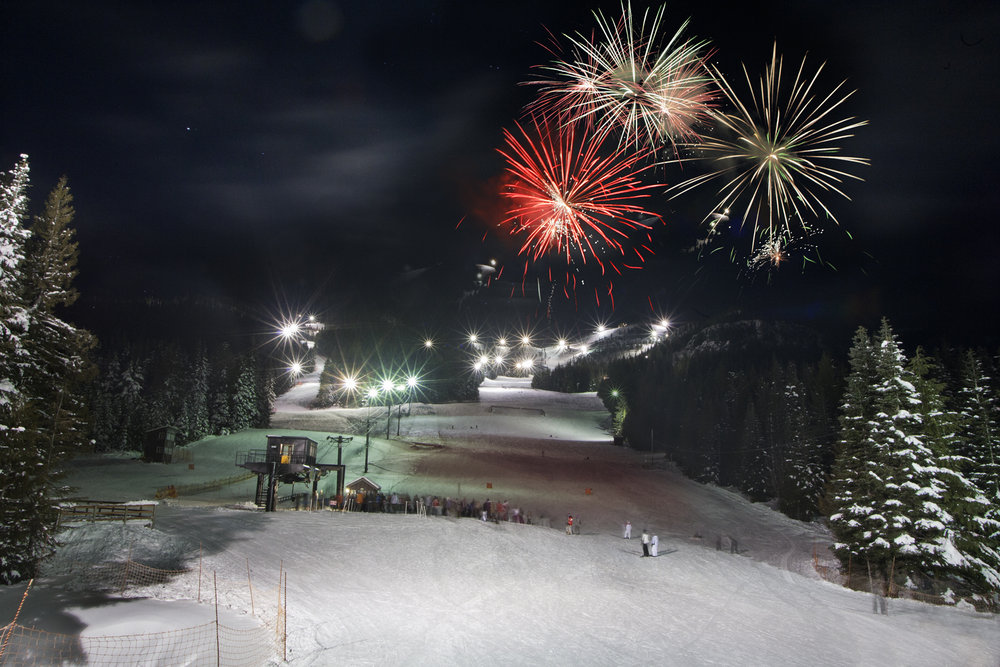 Fireworks go off at night over Mt. Hood Skibowl. - ©Mt Hood Territory/Flickr