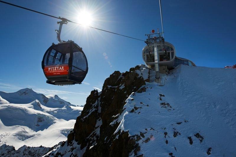 Nová lanovka Wildspitzbahn ve středisku Pitzaler Gletscher