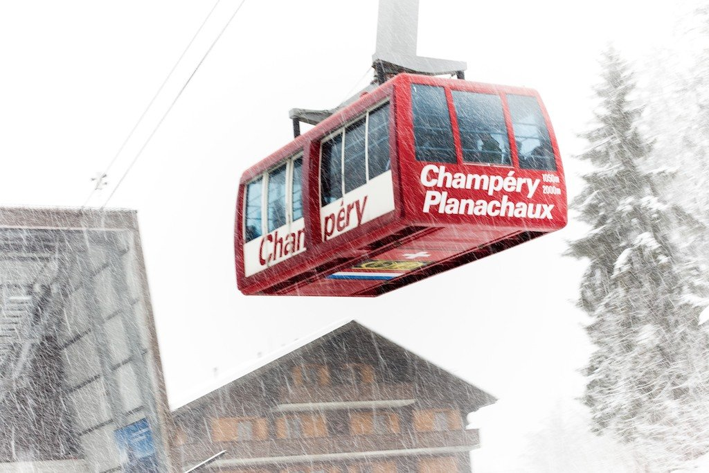 The Planachaux cable-car holds 125 people and brings you from the base of Champery at 1050 Meter (3445 feet) to top at 2000 meters (6562 feet).