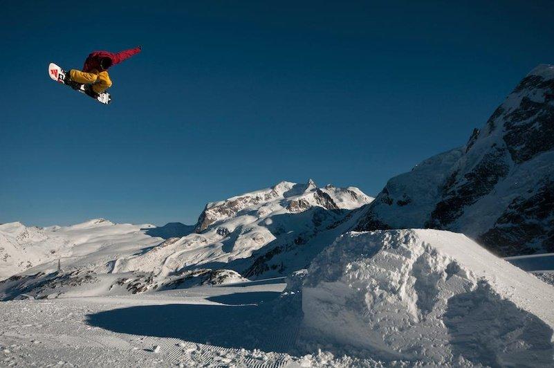 Het Gravity Park op de gletsjer in Zermatt: ook in de zomer geopend - © Zermatt Tourisme