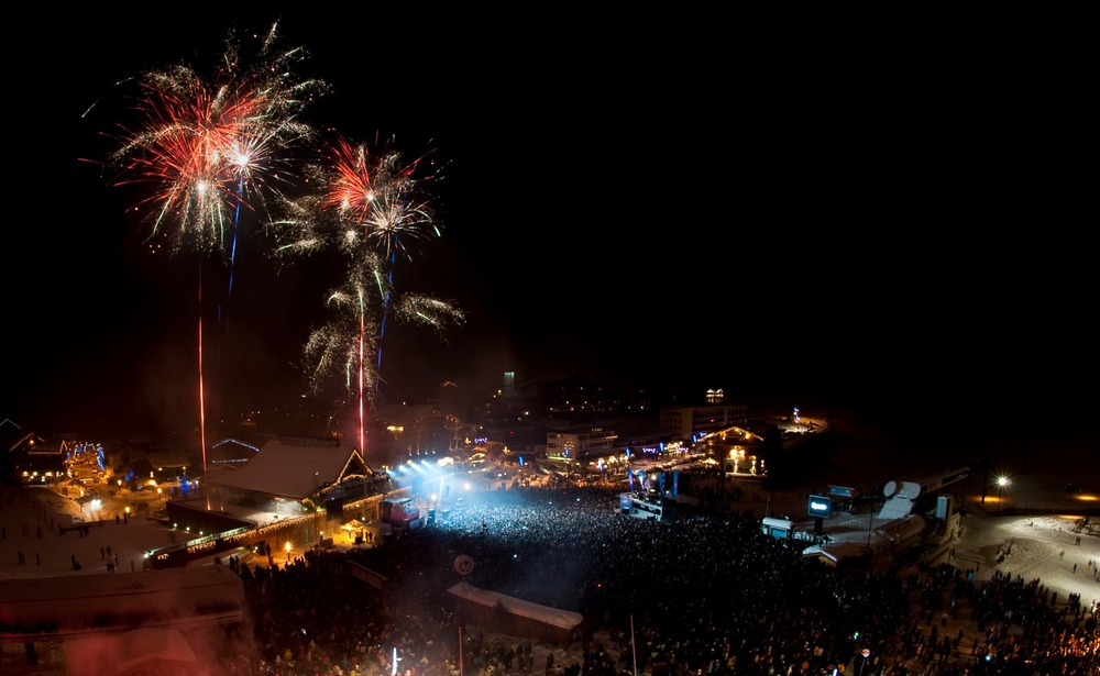 Fire Mix Party in Tignes in 2009, with David Guetta - © Andy Parant