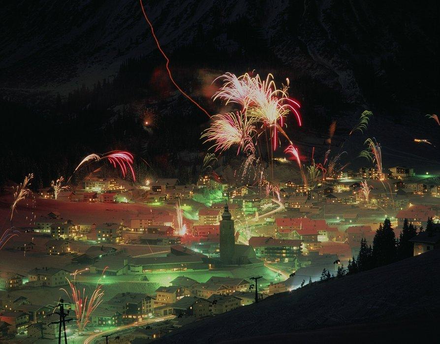 New Year fireworks in Lech Zuers, Austria - ©Österreich Werbung/ Ascher