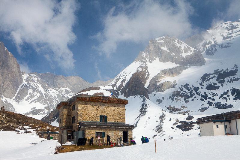 Refuge du Col de la Vanoise, im Hintergrund Grande Casse - © Iris Kürschner