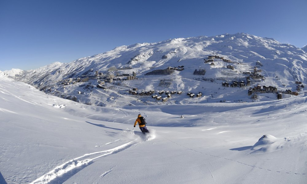 Extensive skiing and plenty of powder in Les Menuires - © Les Menuires