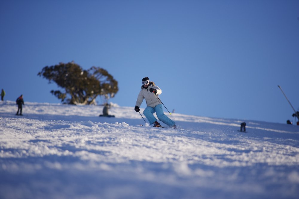 Ski carving on Mount Buller