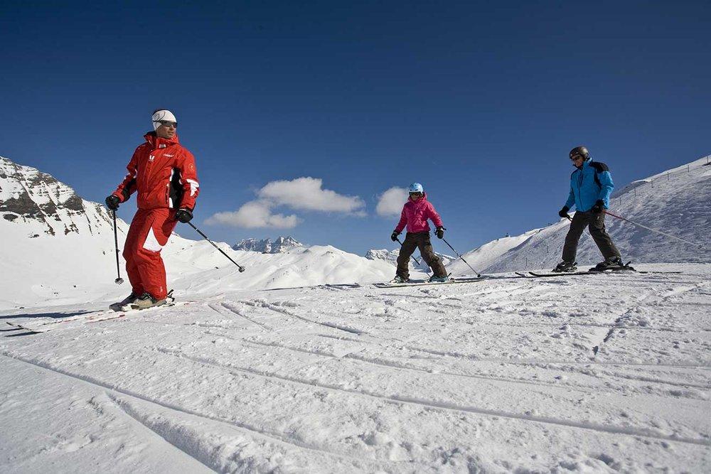 Avec les conseils du moniteur de ski, les premières appréhensions laissent vite place au plaisir de progresser - © Matthieu-Vitré / Portes du Soleil