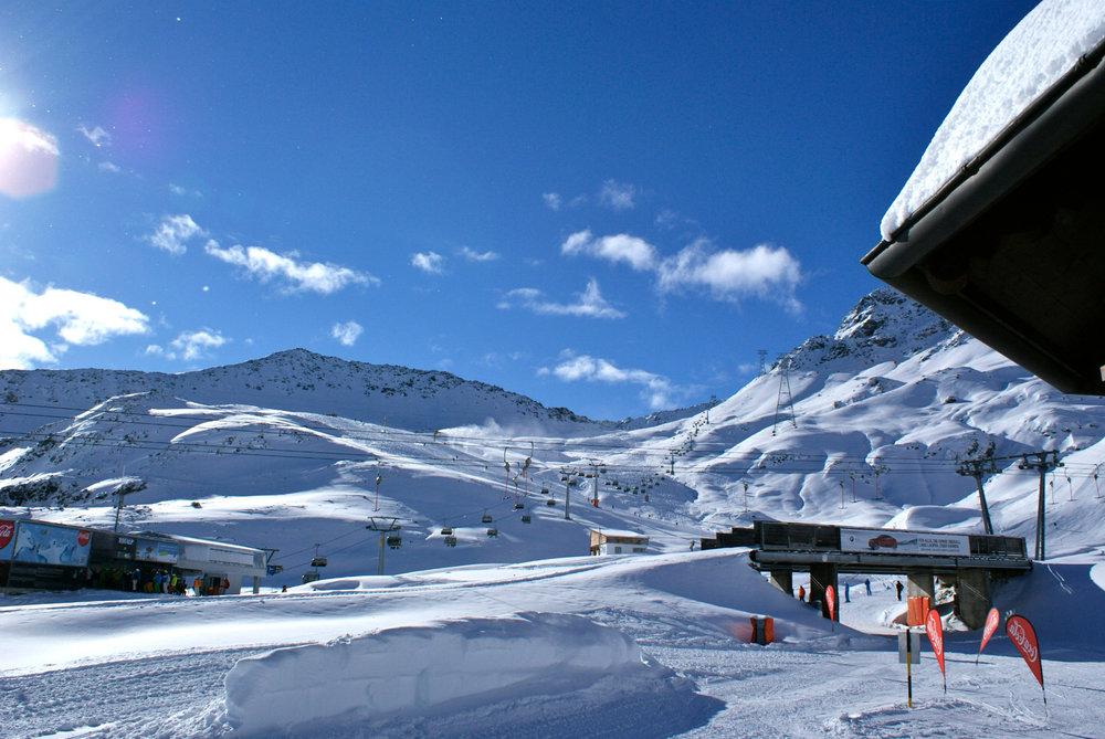 Blick von der Parsennhütte Richtung Talstation Totalpbahn - © Gernot Schweigkofler