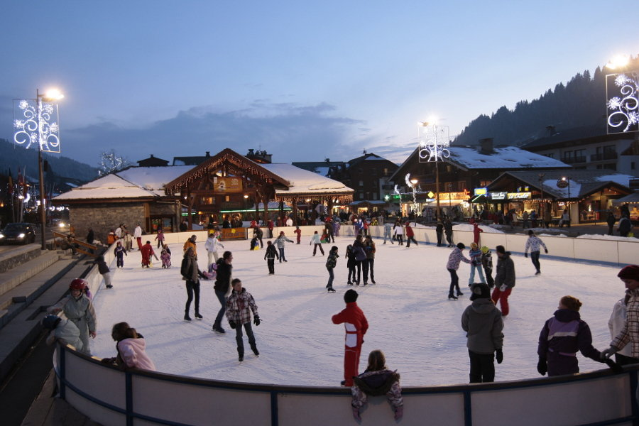Ice skating in Les Gets - © N. Tavernier / OT Les Gets