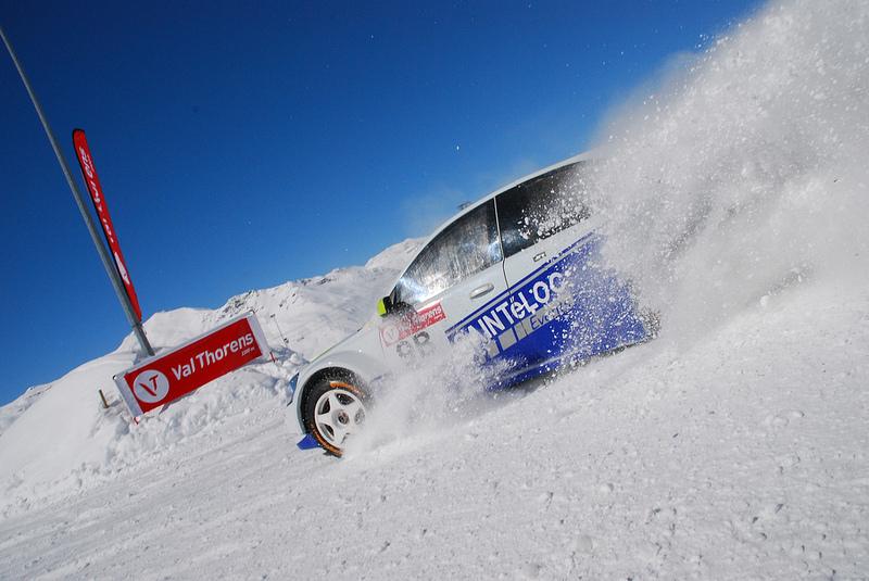 Conduire sur la neige ou la glace, cela ne s'improvise pas... - © J. Clotot / OT de Val Thorens