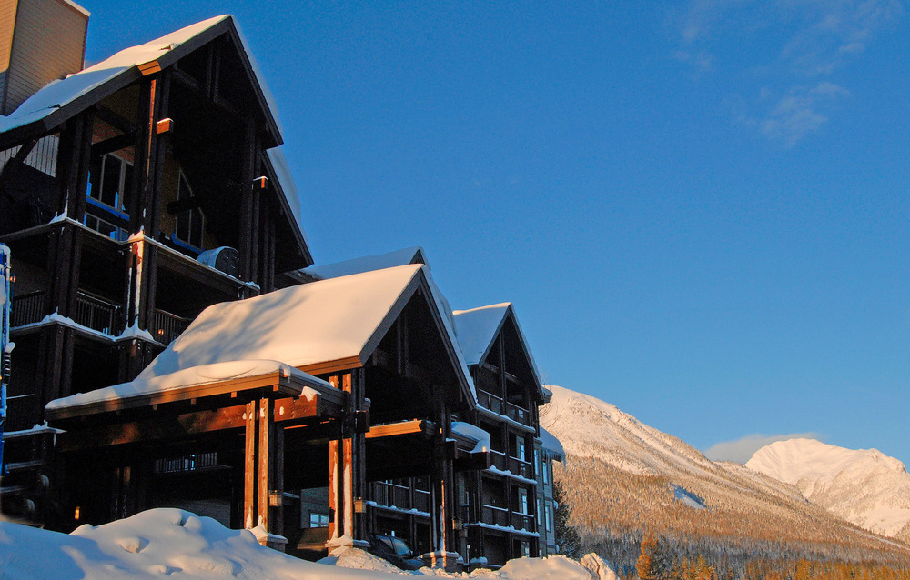 Front entrance to Palliser Lodge at Kicking Horse. Photo courtesy of Bellstar Resorts.