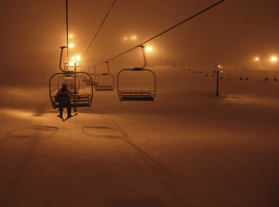 Night skiing at the Summit at Snoqualmie. Photo by Sergio Bonachela/Flickr. - ©Sergio Bonachela