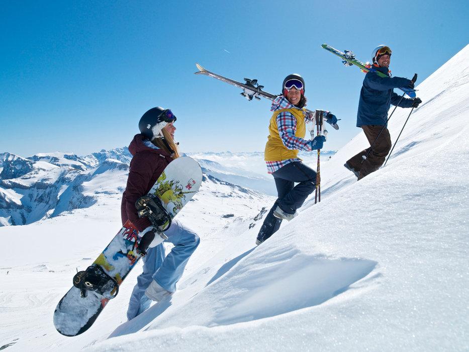 La neige est au rendez-vous, à vous le splaisirs de la glisse ! - © Graubünden Ferien/Weisse Arena Gruppe