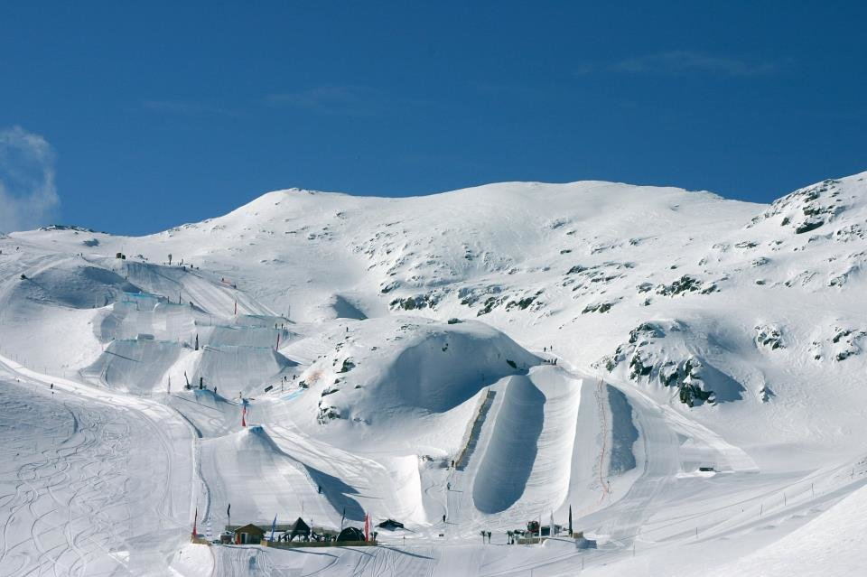 Snow-covered slopes in Les Deux Alpes. Jan. 4, 2013