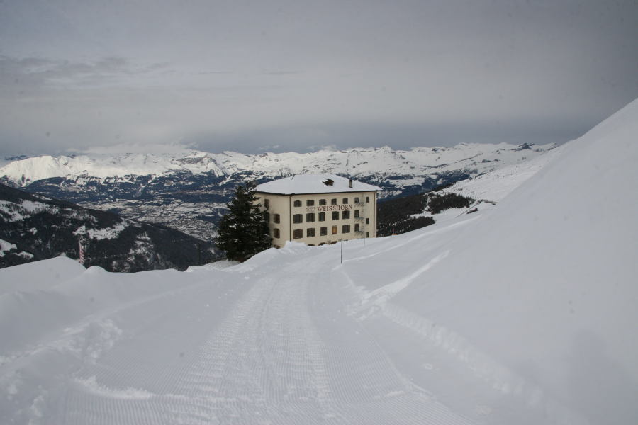 The historic Hotel Weisshorn above St-Luc - © OT Sierre-Anniviers