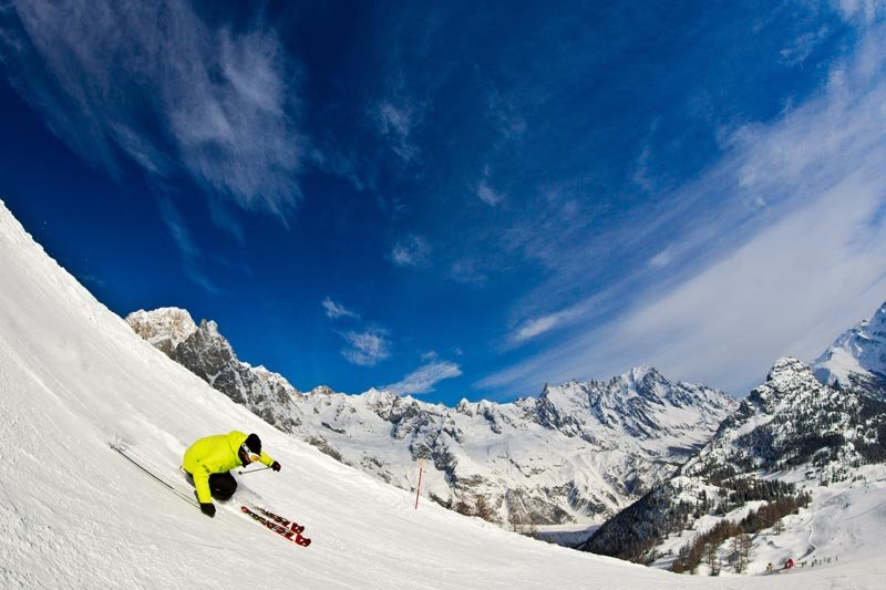 Freeskiing in Courmayeur, Italy - © Courmayeur