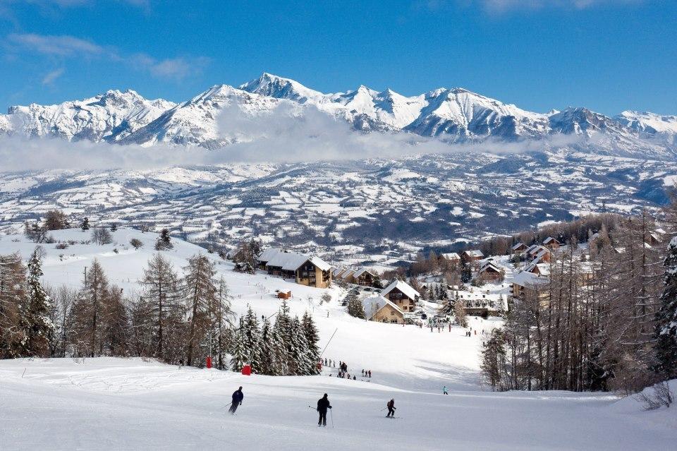 Skiing at Laye en Champsaur - © © Bertrand Bodin / Maison du Tourisme du Champsaur