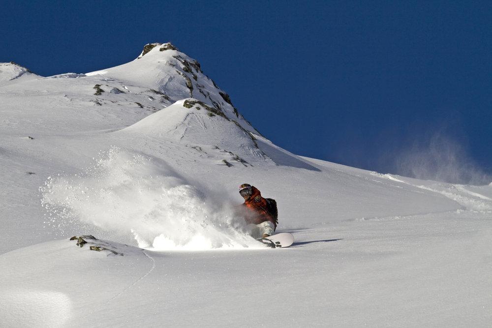 """Am Kitzsteinhorn findet die Freeride Challenge """"X Over Ride"""" statt. - © X Over Rides / Roland Haschka"""