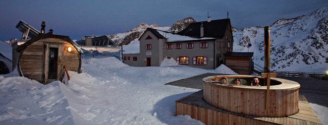Highest outdoor sauna in Europe. Rifugio Bella Vista, Val Senales - ©Rifugio Bella Vista