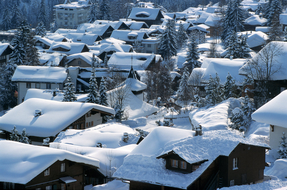 Snow-covered rooftops of Adelboden. Photopress / Adelboden