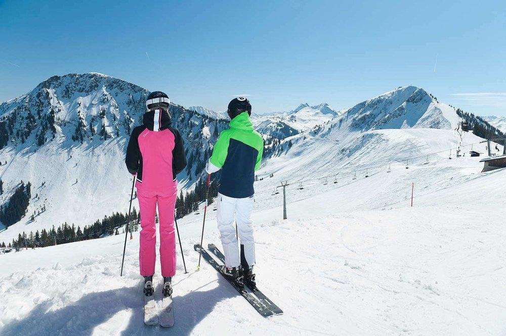 Skifahren in den mehrfach ausgezeichneten Skigebieten der Region Kitzbüheler Alpen-Brixental