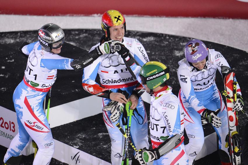Team Österreich feiert: Erstes Gold für Österreich bei der Heim-WM - © Alain Grosclaude/AGENCE ZOOM