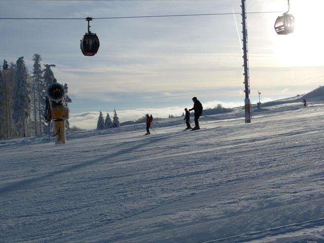 Skifahren über den Wolken - © Skigebiet Willingen