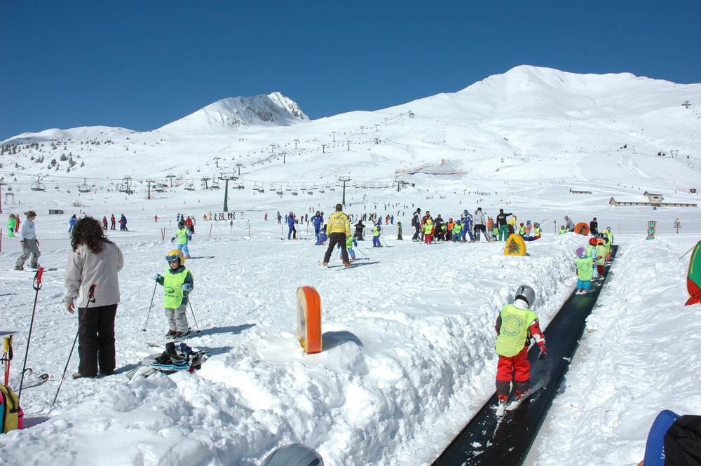 Sunshine skiing at Passo Tonale, Italy - ©Passo Tonale Tourism