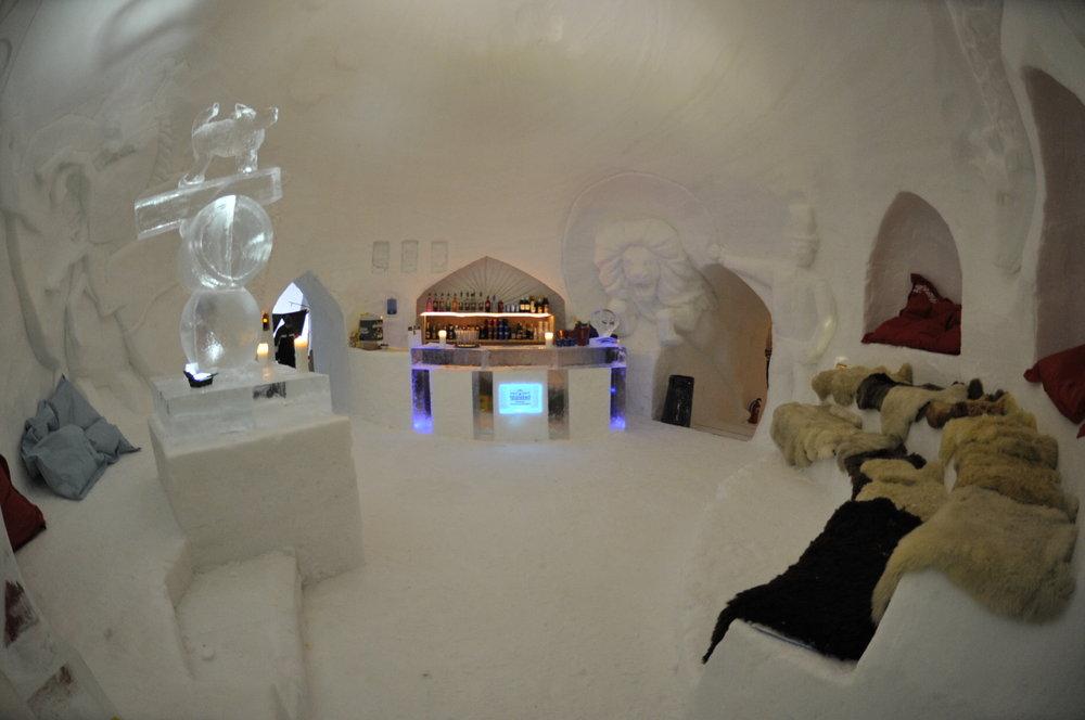 Bar at Iglu Dorf Gstaad - ©Iglu Dorf GMBH
