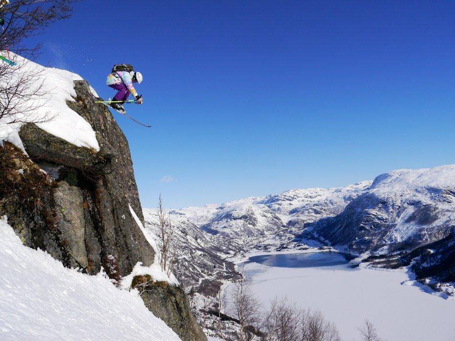 13. year old Synnøve Medhus going big in Røldal - ©Pelle Gangeskar / Røldal Skisenter