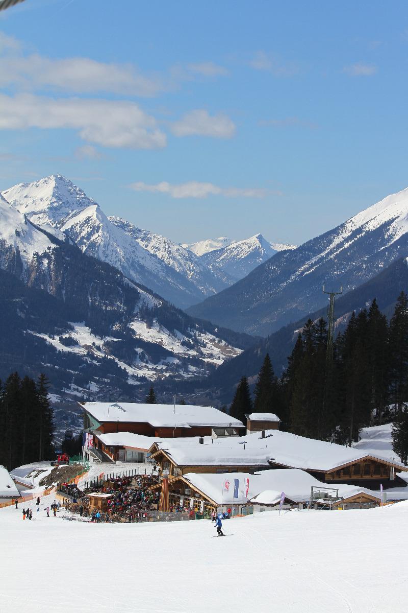 Blick auf die Ehrwalder Alm - © Skiinfo.de