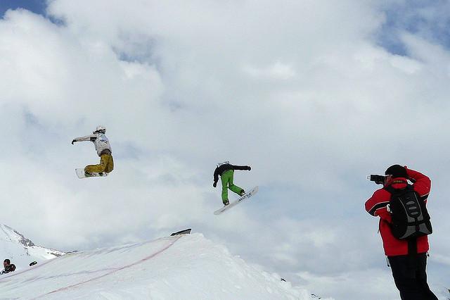 Valle Nevado snowboarders  - © Alobos Life