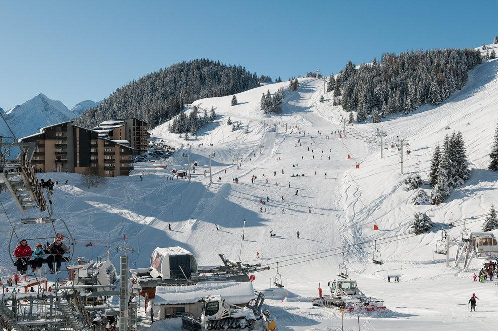 De pistes van Auris-en-Oisans. Dit skidorp maakt deel uit van Alpe d'Huez Grand Domaine Ski - © Sataski