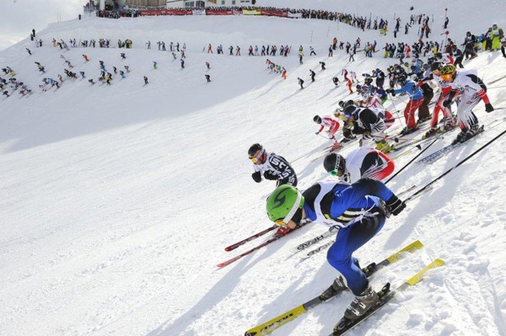 White Thrill race: before the mass start at Arlberg's Valluga crest. - © TVB St. Anton am Arlberg / Fotograf Josef Mallaun