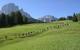 Una fila di escursionisti in Val Gardena