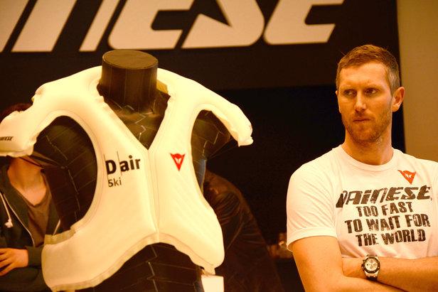 Werner Heel beäugt Daineses D-air - Airbag