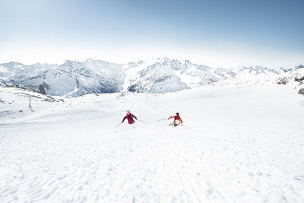 Lyžování na Tuxu  - © Zillertaler Gletscherbahn