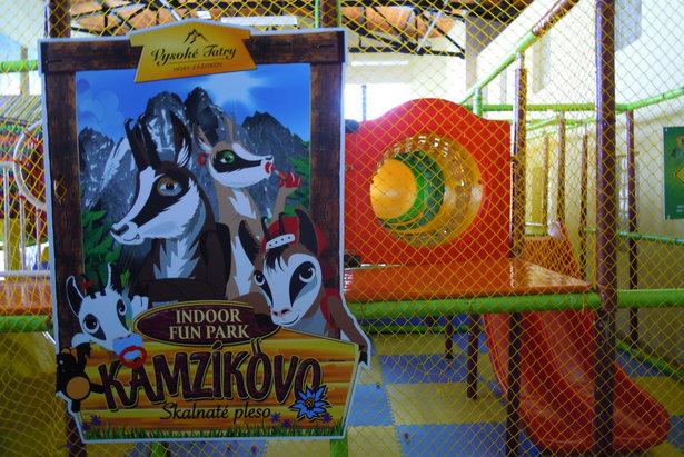 Plac zabaw dla dzieci Kamzikovo na Skalnatym Plesie - Tatrzańska Łomnica, 9.01.2015  - © Tomasz Wojciechowski