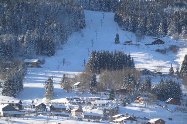 Vue sur les pistes de ski du Poli