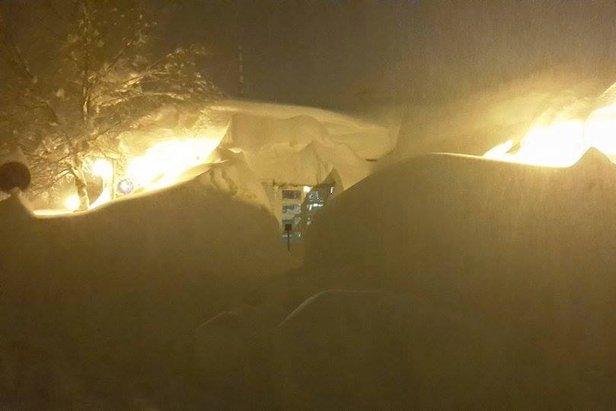 Raport śniegowy: ogromne masy śniegu we Francji, zima w Europie mocno trzyma