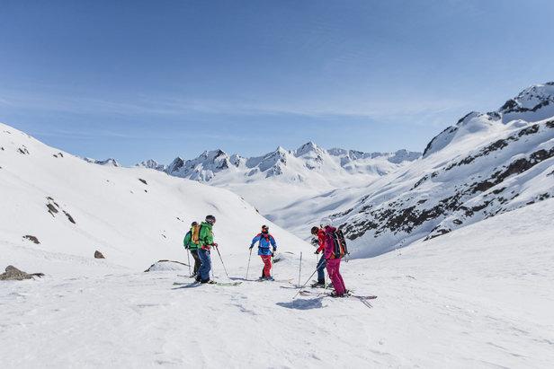 Freeriden lernen: Tipps für das erste Mal Skifahren abseits der Pisten ©Christoph Jorda | www.christophjorda.com