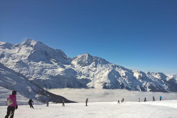 Grand ski dans un décor somptueux sur le domaine skiable de Sainte Foy Tarentaise