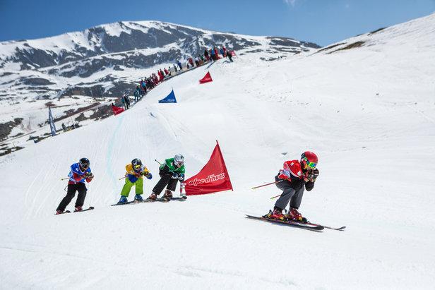 OFÉ X DAY by Ophélie DAVID : 2 jours durant lesquels la championne transmet sa passion aux jeunes qui veulent en découdre et découvrir le ski cross