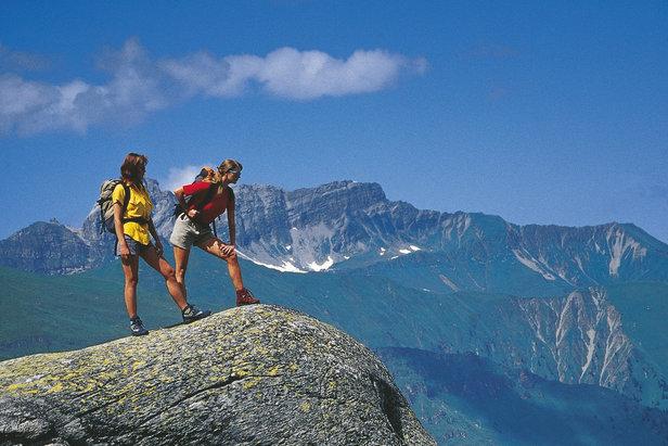Horská turistika - aktívny oddych spojený s poznávaním prírodných krás  - kto už by odolal?!